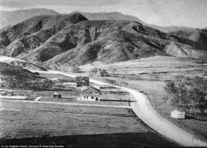 Hollywood-1900-640x459